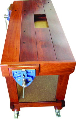 QUICK ACTION VICES ON WOODWORKING MOBILE WORKBENCH